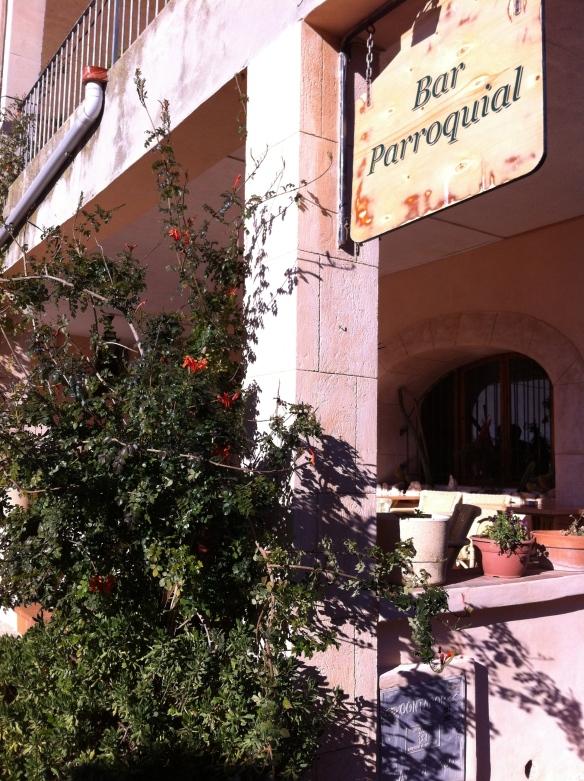 The popular restaurant la Parroquia in the plaza